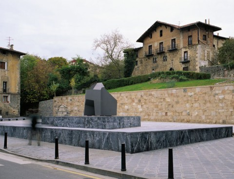 <strong>Construction of the Plaza Balda, Azkoitia, Basque Country, Spain</strong><br />Year 1999
